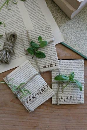 Aunque todos tus invitados no tengan necesariamente la habilidad para cultivar flores, todos puede cultivar hierbas. ¡Deja que el amor crezca con estos recuerdos que respetan al medio ambiente en una boda primaveral!