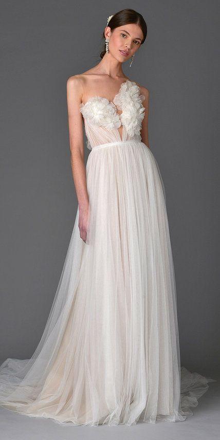 Los mas lindos vestidos de novia para la Primavera 2017 directo del Bridal Fashion Week. Marchesa.