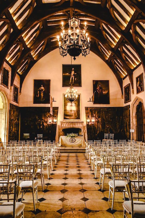 Boda civil en el Great Hall en Berkeley Castle. Fotografía: Berkeley Castle Weddings.