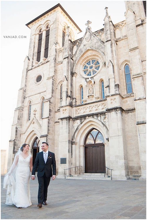 Bride and groom wedding day photos at San Fernando Cathedral, San Antonio. Wedding Photographer: Vanja D Photography.