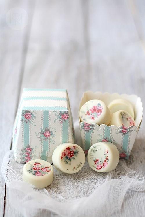 Galleticas Oreo mini cubiertas en chocolate.