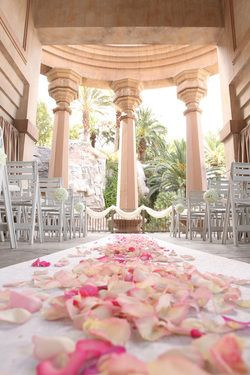 Another Vegas wedding location, Mandalay Bay, an MGM Resort with a classy high-end island feeling. You may also choose the Excalibur for a renaissance experience in Las Vegas weddings.