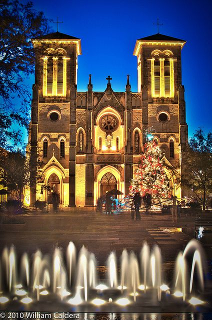 Texas wedding venues: Cathedral of San Fernando, San Antonio a historic 1738 church once occupied by General Santa Ana. Photo by wmcaldera on Flickr.