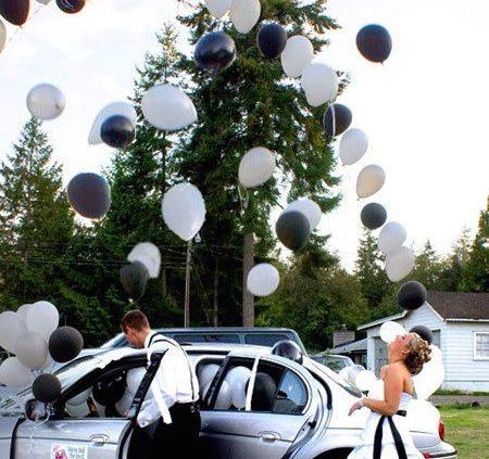 Suelta de globos, una idea fantástica a la salida de los novios.