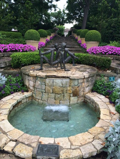 Choose the Texas wedding venue that fits you most. Dallas Arboretum & Botanical Gardens, Dallas, TX.