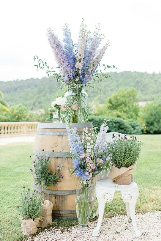 Fabulously chic French wedding ideas. This backdrop is perfect for wedding photos. Ooh! lala! indeed.