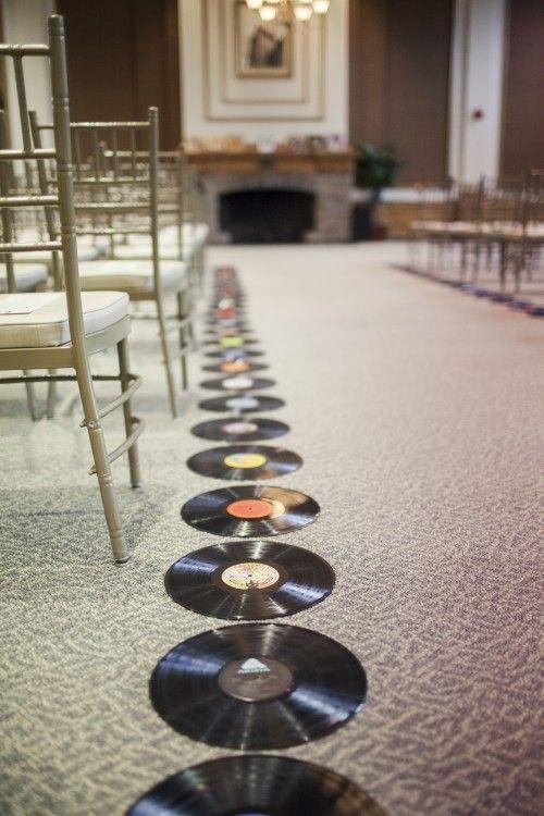 Ambiente de rock para la ceremonia civil o religiosa.