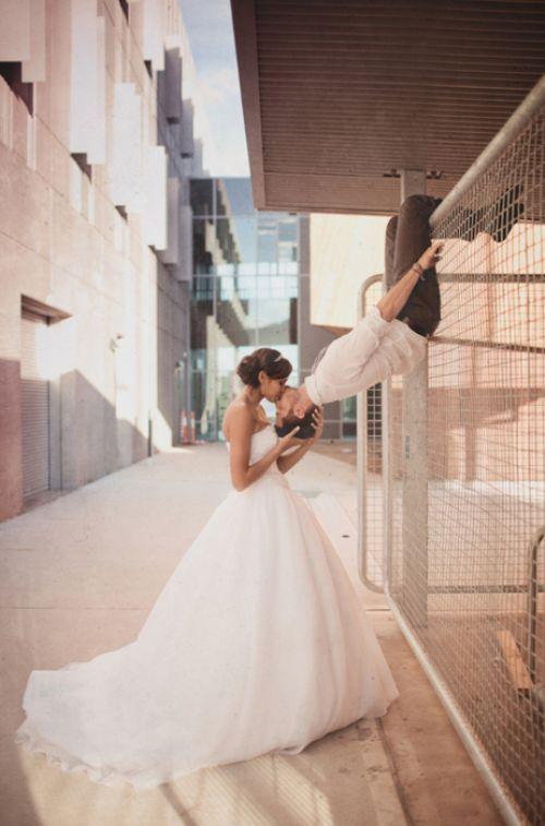 ¿Te animas a esta pose para fotografía de bodas?