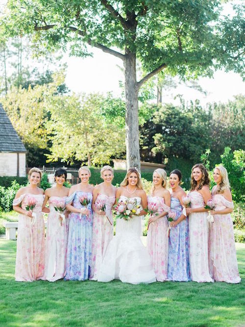 Pastel, bright and whimsical Houston Zoo wedding. Photography: Awake Photography.