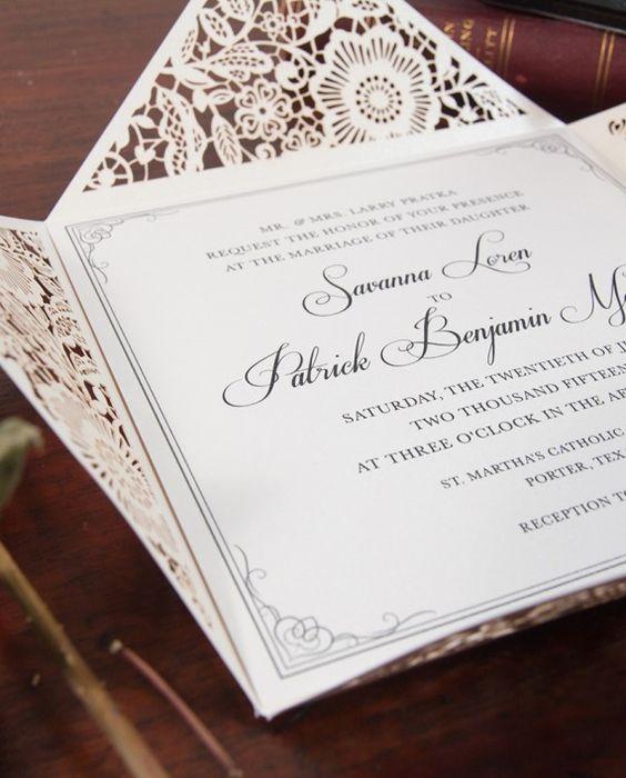 Invitaciones de boda en blanco perlado, económicas con corte láser (BYWS017).