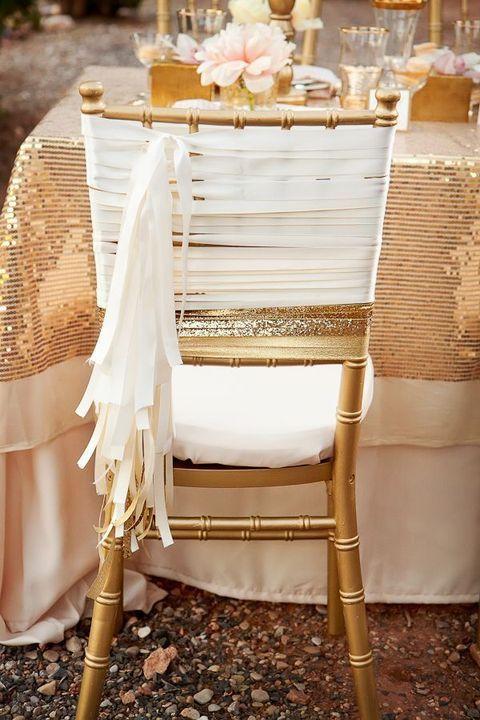 Decoración de sillas impactante y fácil de hacer con paillettes.