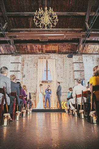 Industrial wedding venues in Brooklyn that will take your breath away The Green Building, Brooklyn, NY. Photos by Matt of Our Labor of Love.