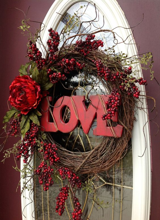 "Valentine's Day wreath door decor ""Love"""