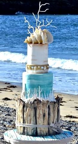 Original beach wedding cake by CakesDecor.