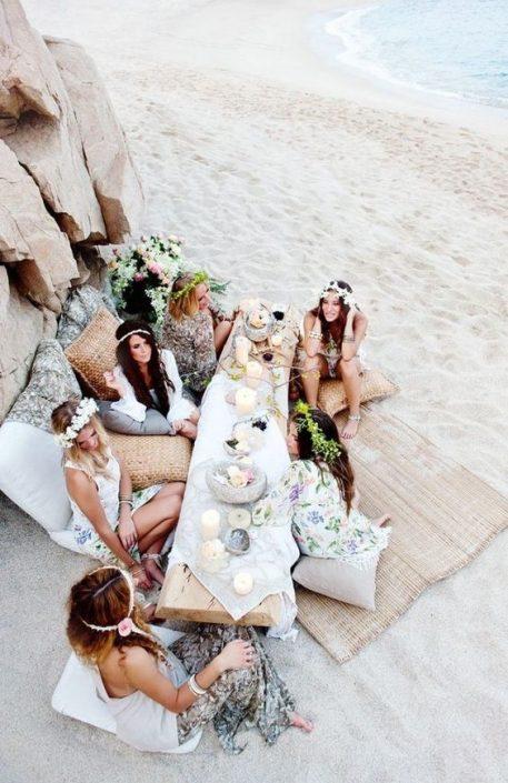Si sueñas con una celebración descontracturada, romántica y junto al mar, las bodas boho en la playa son ideales para ti.