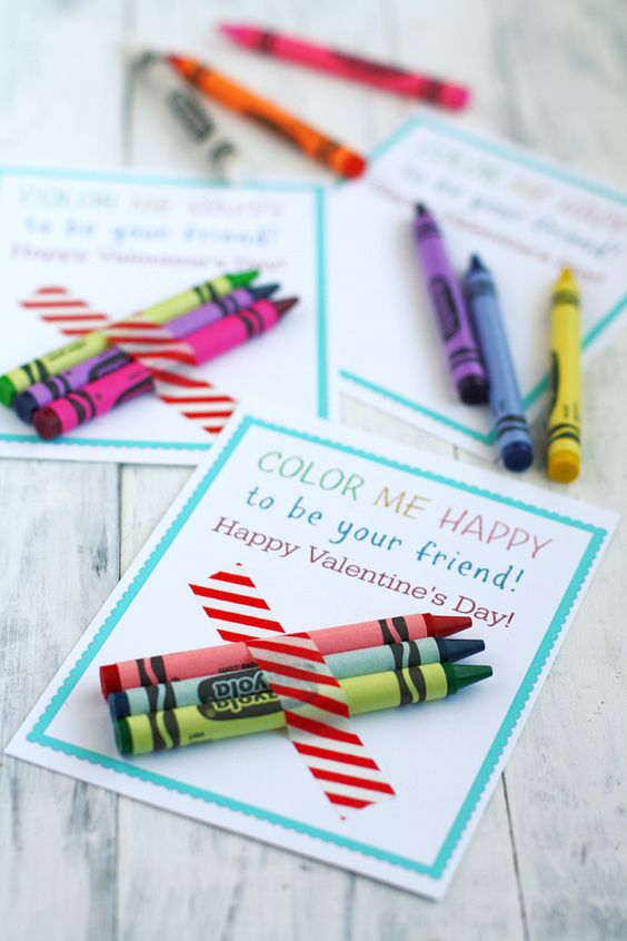Easy and fun crayon Valentines by The Pretty Bee.