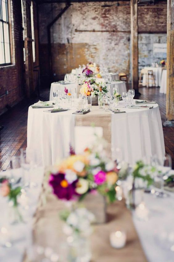 The perfect ambiance for an industrial wedding venue in New York at the Greenpoint Loft. Photo: Khaki Bedford Photography.