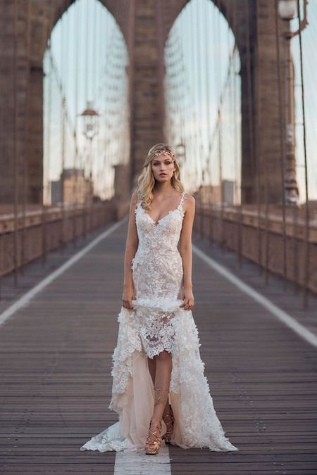The glam of Galia Lahav intertwined with the charm of the city and nine swoon-worthy industrial wedding venues in New York that you will want to check out asap! :)