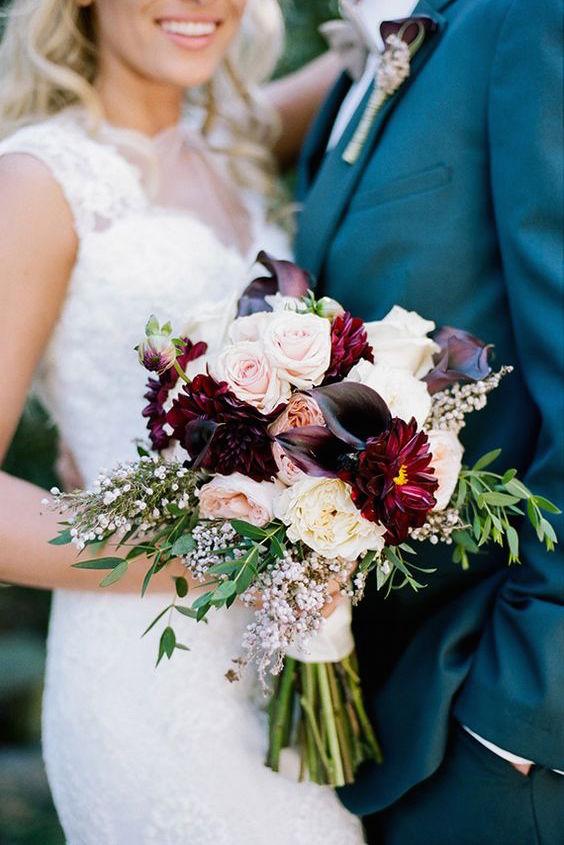 Elegant plum wedding inspiration. Photo by Jenna Henderson.