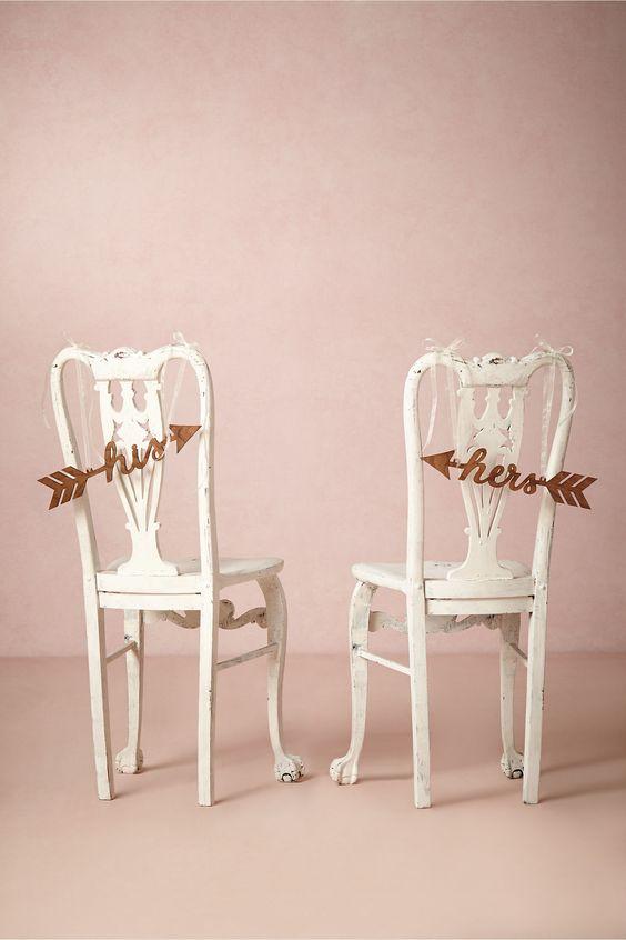 Flechitas de cupido para las sillas de la feliz pareja de BHLDN.