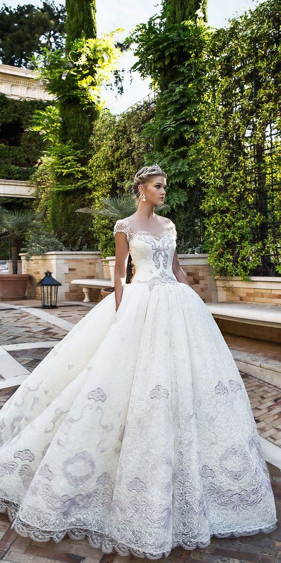 Biancamaria by Alessandra Rinaudo wedding dresses 2017 collection. An utterly romantic ball gown wedding dress that features stunning textural details.