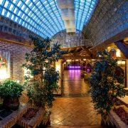 Una decoración moderna industrial en un entorno campestre, ¿puedes pedir más? Fincas para bodas en Madrid: Hacienda Jacarandá.