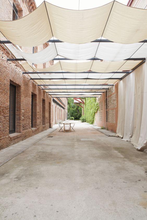 El espacio para eventos Loom House, situado en la Real Fábrica de Tapices de Madrid, en pleno centro de la ciudad es perfecto para eventos al aire libre