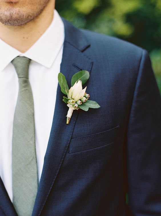 Modern groom's tie in gray with a Half-Windsor knot. Brooklyn Wedding by Lauren Balingit Photography.