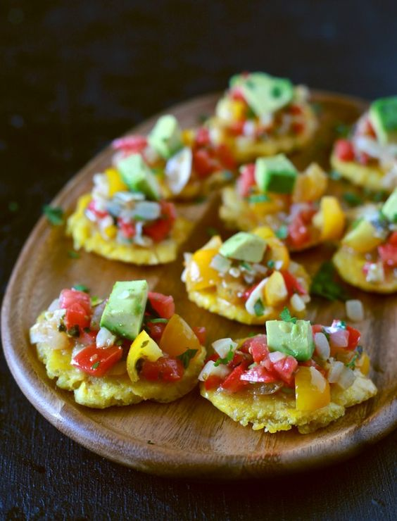 A delicious Cuban-Rican recipe: Sofrito salsa and tostones.