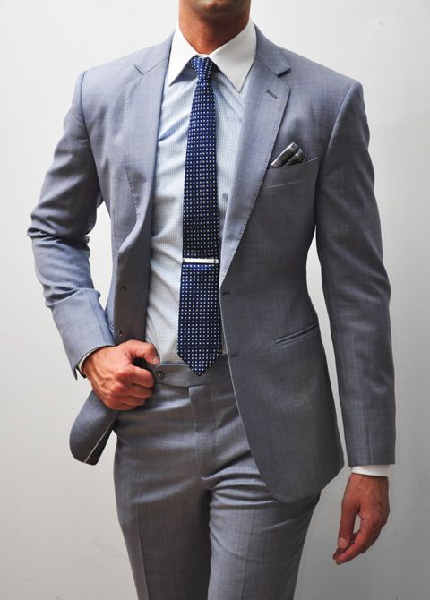 Blue tie fit for a civil ceremony, a daytime wedding or an elopement by zeusfactor