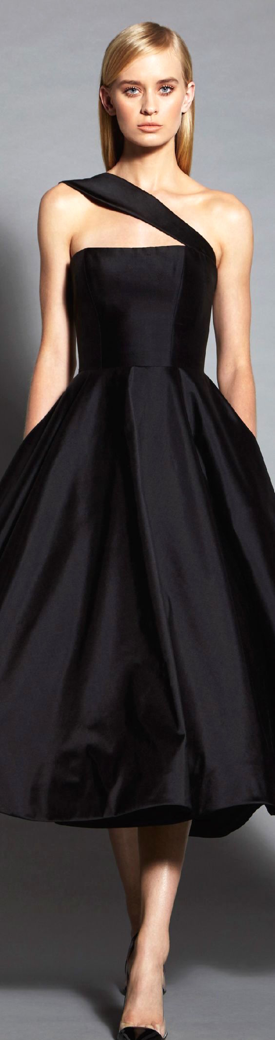 Absolutely breathtaking and elegant black dress by Romona Keveza.