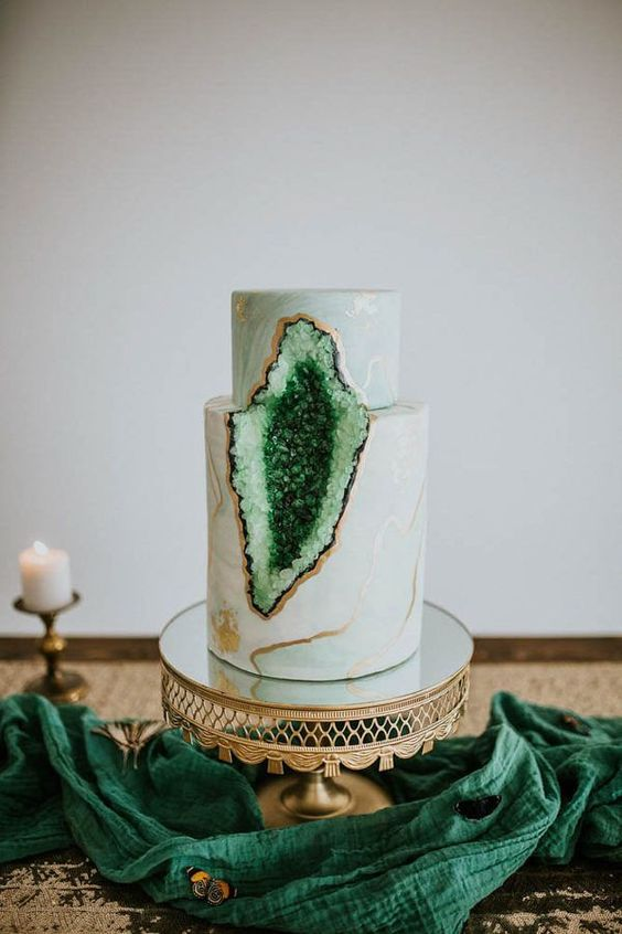 Green geode cake for a woodland wedding. This stunning cake merges emerald green with rock candy to create a delicious statement.