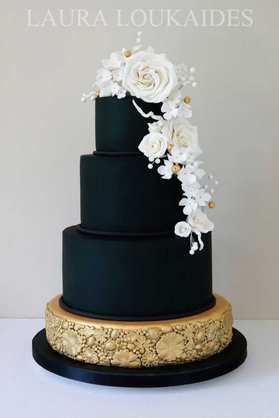 black wedding cakes with flowers bodas en negro y dorado como lograr una decoraci 243 n muy 11887