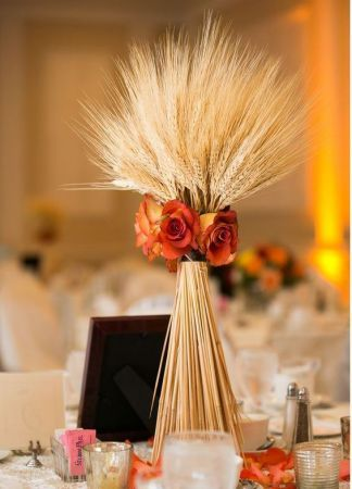 Wheat means prosperity and fertility in many cultures. Why not start your new life with some wheat fall wedding favors for your guests?
