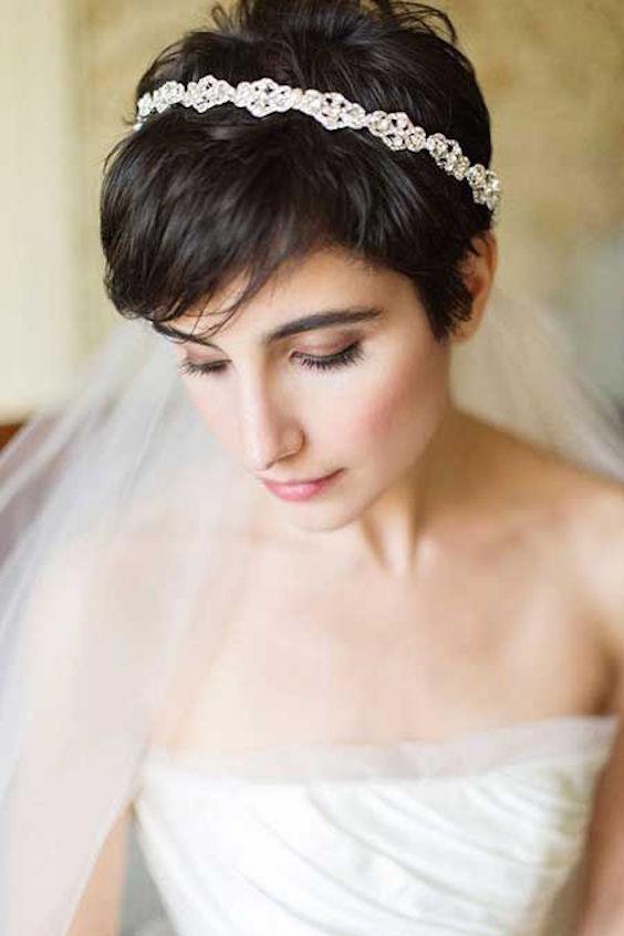 Corte Pixie para una novia romántica y original.