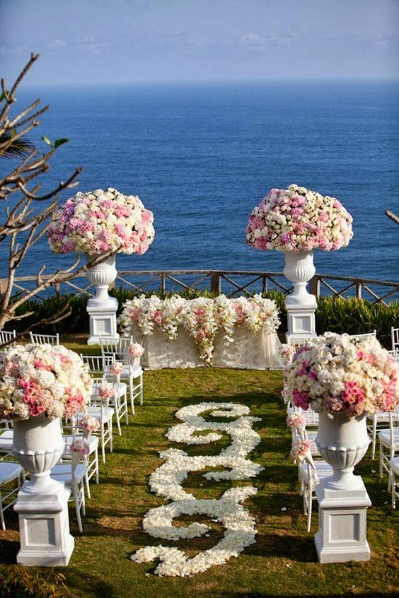 Hermosas ideas para decorar tu ceremonia de bodas que te dejarán sin aliento. ¡Inspírate! Fotografía de bodas: Samuel Lippke Studios.