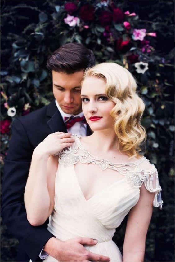 Este peinado grita Gatsby, Vintage, glam y absolutamente chic.