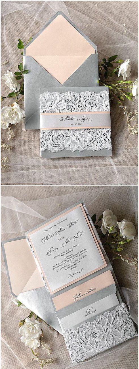Un sobre en gris con forro en color durazno hace que tus participaciones luzcan fabulosas.