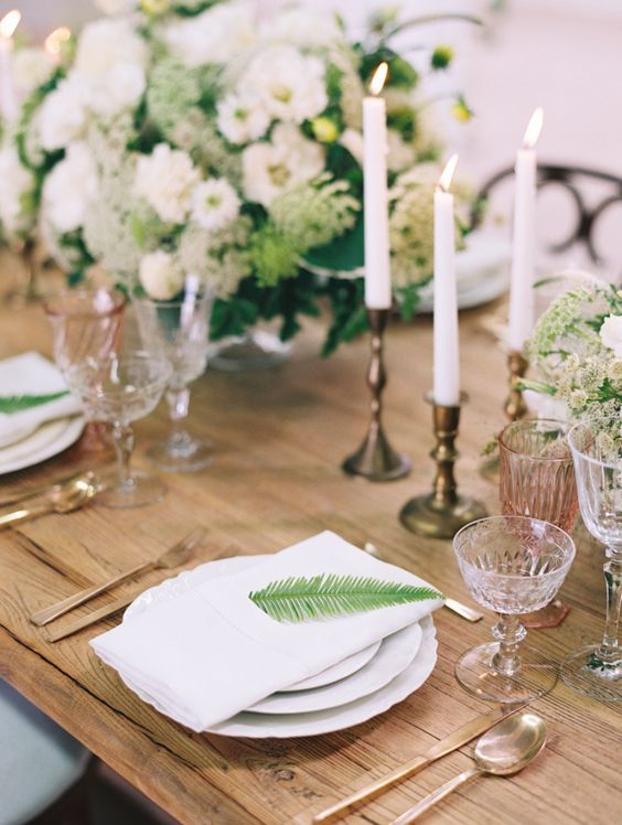 Get inspired by this simple yet elegant table decor at HNYPT LA. Wedding photographer: Diana McGregor Photography.