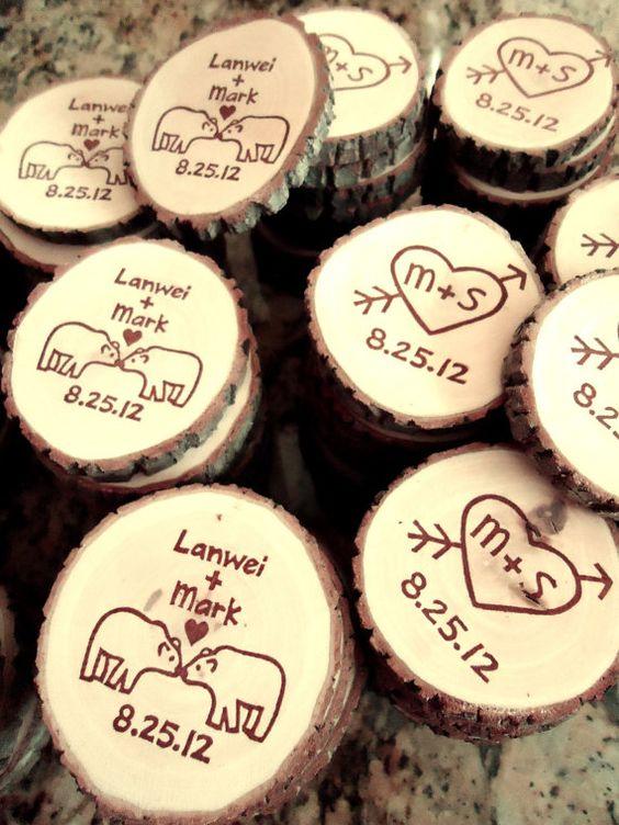 Kissing Polar Bear wood slice magnets