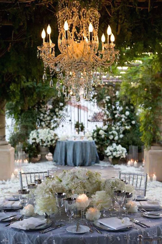 Love the elite look of this New York wedding, embellished with tons of floral decor.
