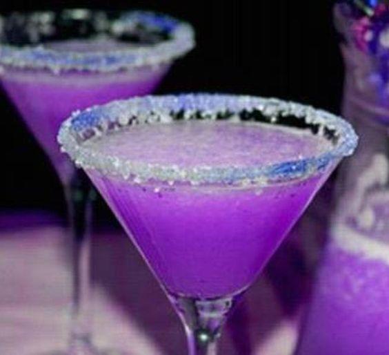 Purple Dragon Martini. Doesn't it look gorgeous?