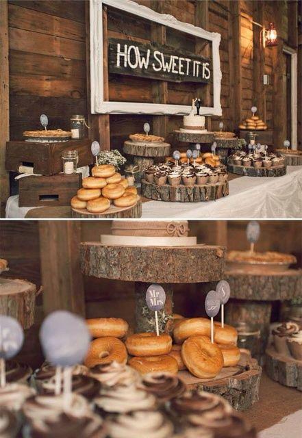 Una decoración de boda rústica y con donuts para la hora de los postres. #donutbar
