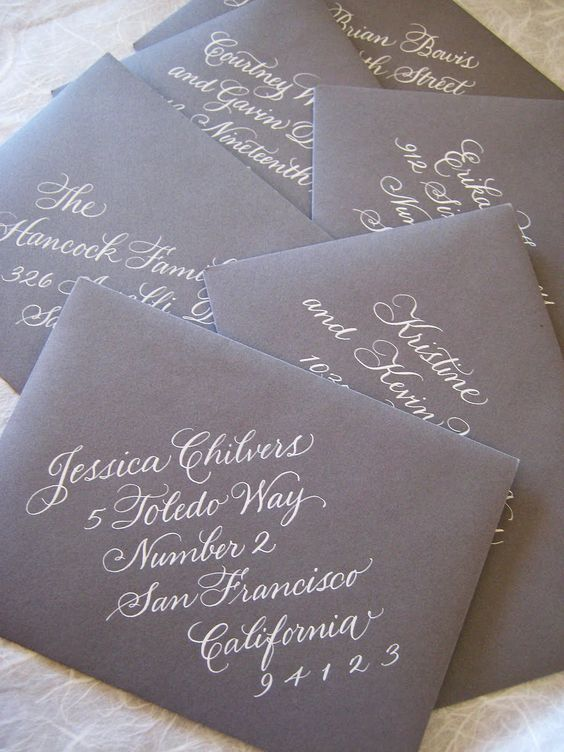 If you only have one set of bilingual wedding invitations, you will make no mistake when mailing your invites and you will definitely impress and wow your guests!