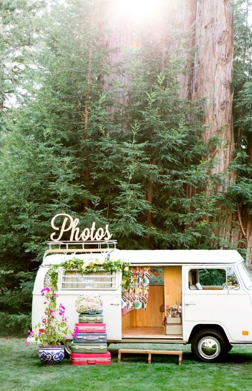 There's a lot of photobooths out there on the wedding market, but this one does it in boho style.