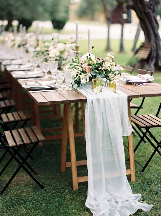 Intimate weddings are very much on trend. Organic and intimate destination wedding in Italy.