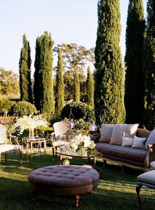 ¡A sacar los muebles al jardín!