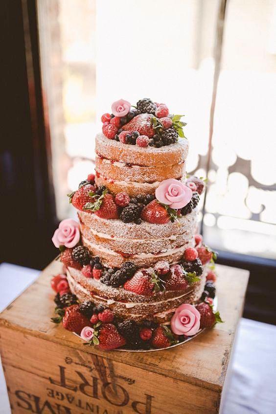 Amazing naked wedding cakes for boho weddings.