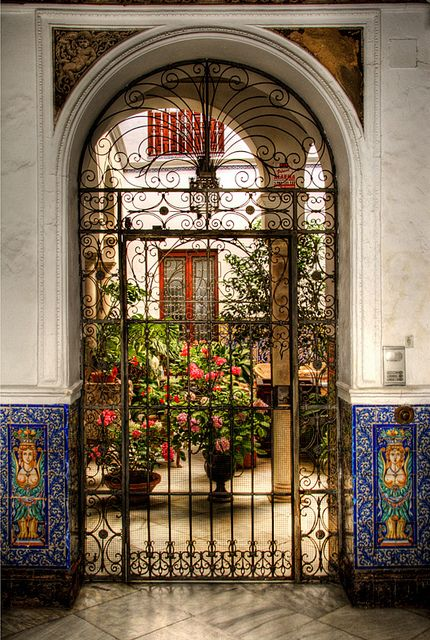 Imagine your reception at a place like the Patio del barrio de Santa Cruz, Sevilla.