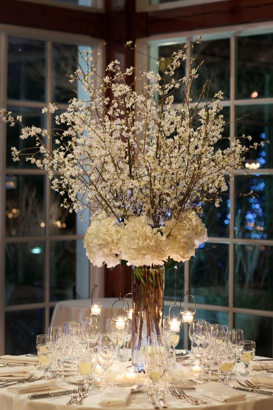 Will the reception venue provide the centerpieces? Wedding venue in Manhattan. Wedding photographer: Agaton Strom.